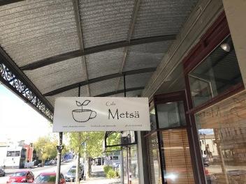 Tyvärr såg detta kafee ganska stängt ut, ligger ganska nära mitt hem dock så kan säkert fara o titta igen.