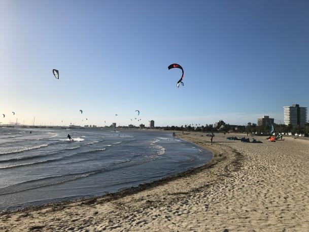 Lite vindigt, så en massa kitesurfers