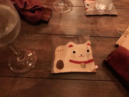 """Kvällen avslutades på en """"katt bar"""""""