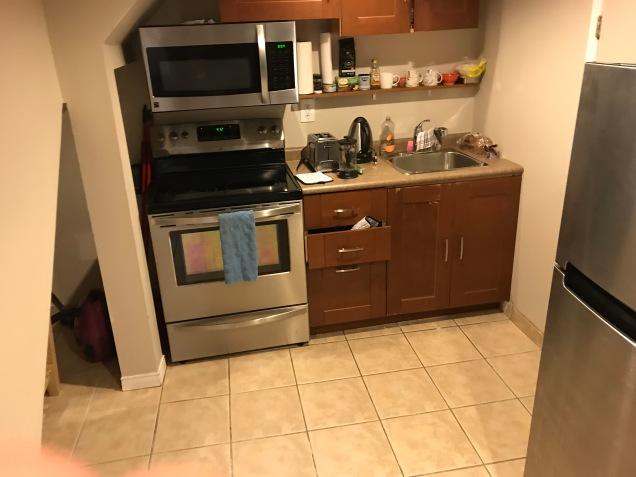 Köket, observera bristen av torkskåp